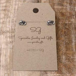 Jewelry - EARRINGS Elephant stud silver gift elephants NEW